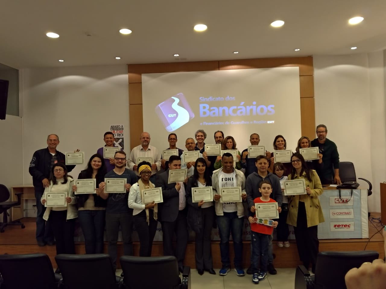 """Em parceria com Sindicato, Unifesp entrega certificado à alunos do curso """"São Paulo no Século 21: sociedade, economia e meio ambiente"""""""