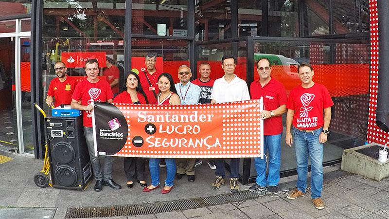 Santander: diretores e diretoras protestam contra corte nos investimentos em segurança